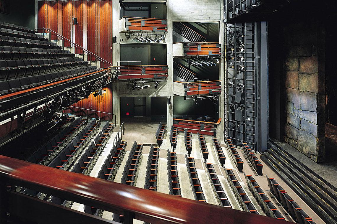 Roda Theatre interior