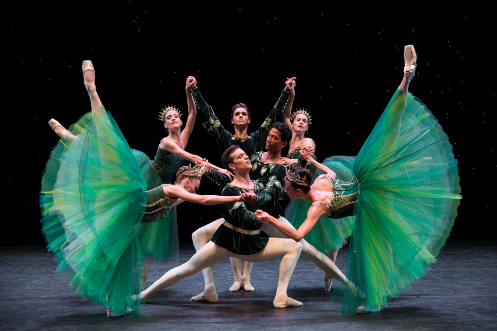 Company dancers in Emeralds