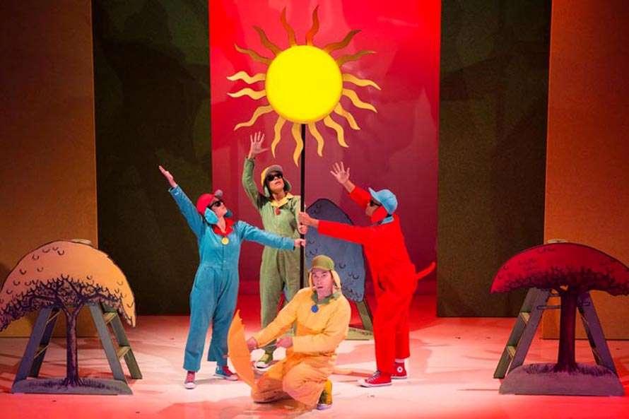 Cast of Go, Dog, Go at Seattle Children's Theatre