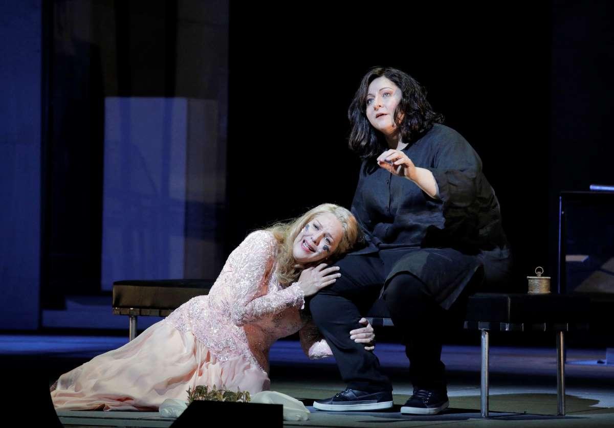 Adrianna Piczonka and Christine Goerke in Elektra