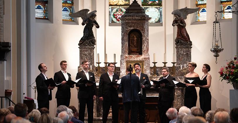 Cut Circle choir performing