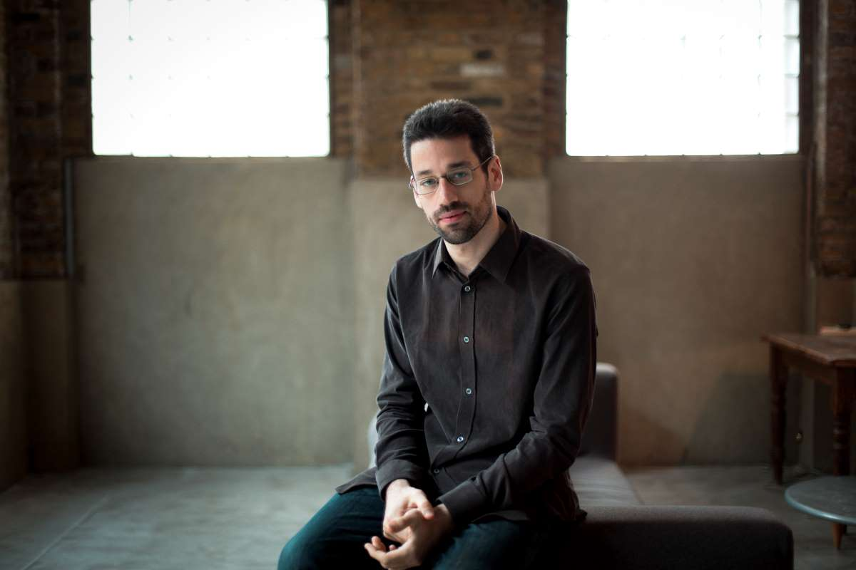 Photo of pianist Jonathan Biss
