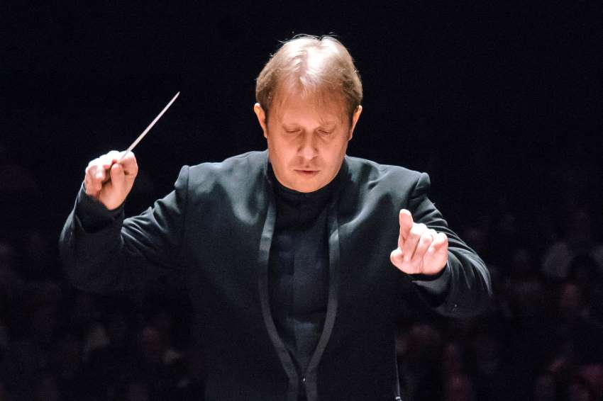 Ludovic Morlot conducting Seattle Symphony