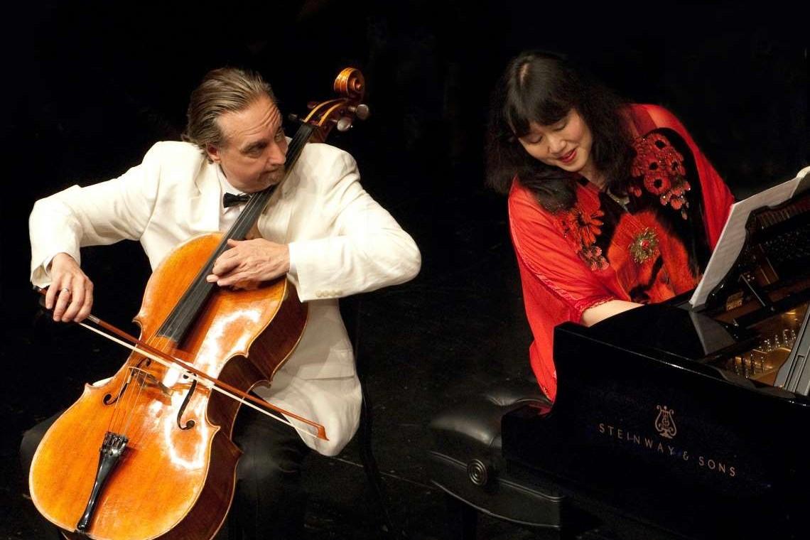 David Finkel and Wu Han performing
