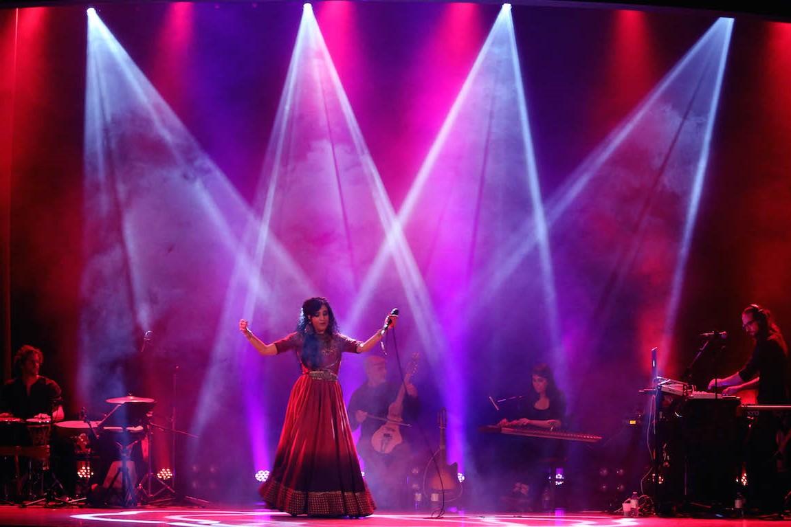 Niyaz performance