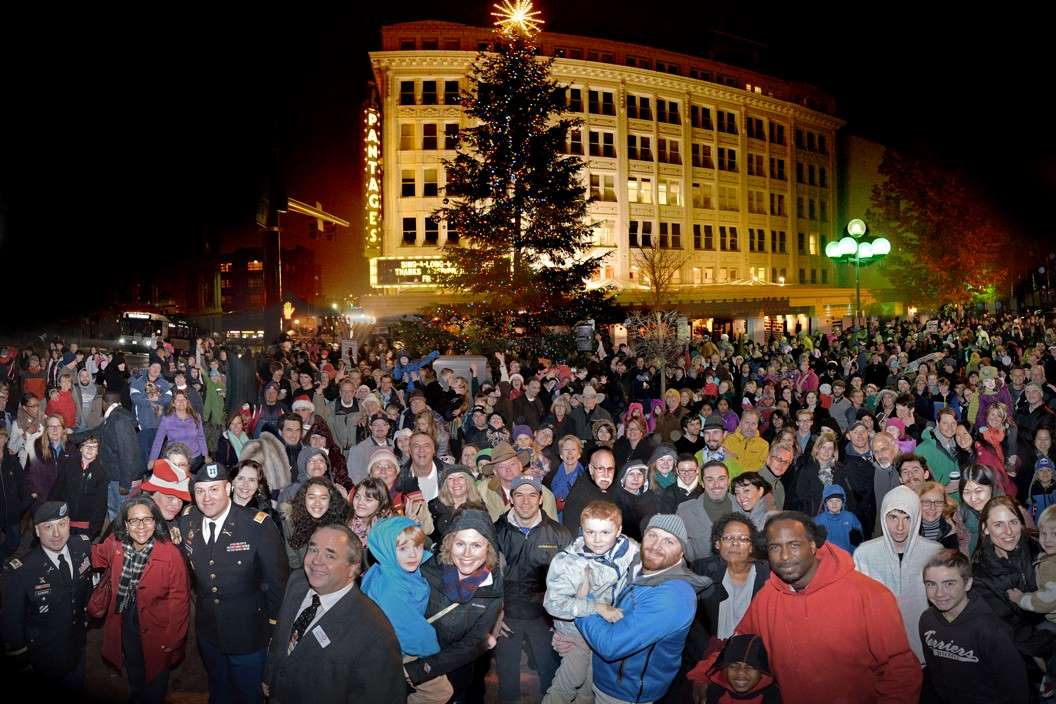photo of 2018 tree lighting