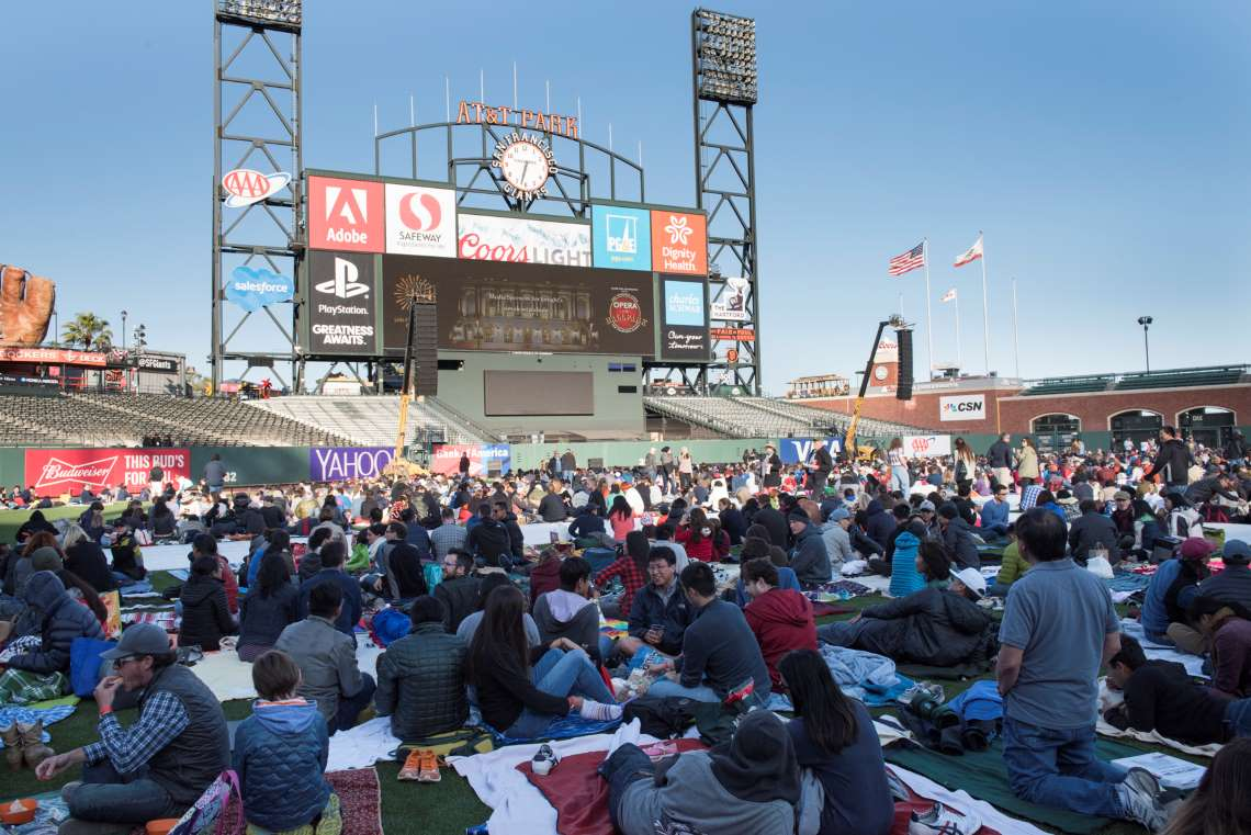 SF Opera Borrows the Jumbo Screen at Oracle Park